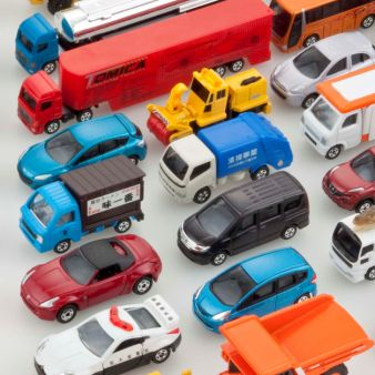 https://www.takaratomy.co.jp/products/images/tomica_img.jpg